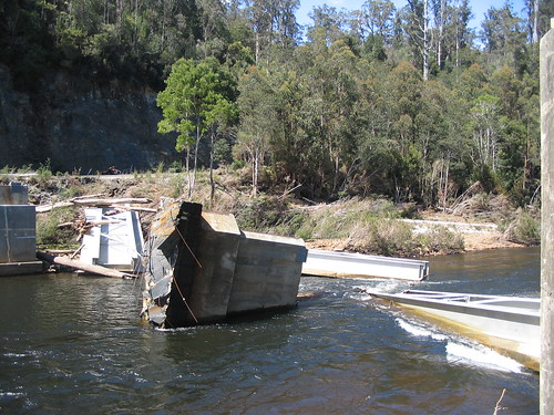 Tayatea Bridge ... broken! 1