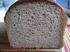 Toastbrot mit Buttermilch und Vollkornmehl 002