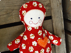 babypuppe_milla_03 (revoluzzza) Tags: baby berlin cherry toy design kid doll child heart designer pit pillow dolly herz lapin handcraft petit puppe muñeca poupée stofftier lièvre revoluzzza kindersachen sa2face
