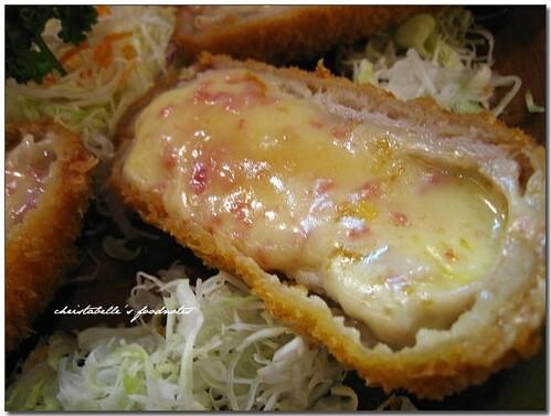 信義誠品大福豬排黃金里肌起司捲仔細看 Japanese Donkatsu (pork chop) roll with cheese