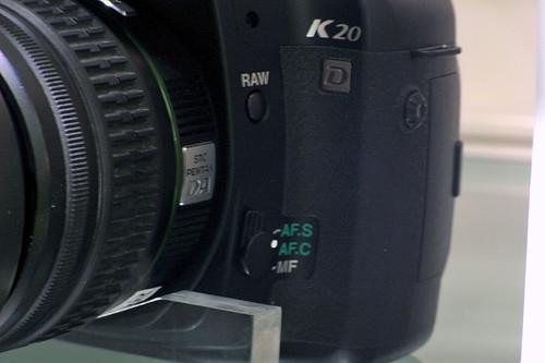 PENTAX K20D 01