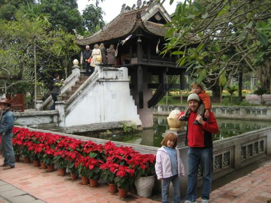 gemma_jonny_angus_pagoda_1