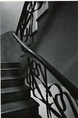 Casa Mil - La Pedrera - Barcelona - Scala tonale (arpaderba) Tags: barcelona architecture stairs modernism casamil antongaud