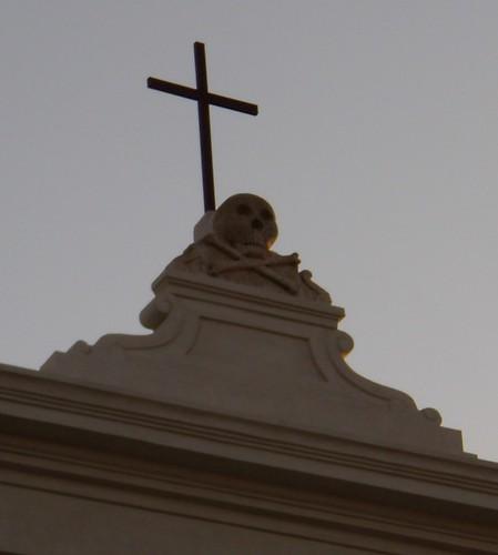 Cross over skull and crossbones at Gallipoli (Italy)