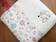 My Apple - Little Snack Bag (a n a ) Tags: school cute apple animals kids bag children lunch sweet linen embroidery sewing canvas purse snack hedgehog etsy