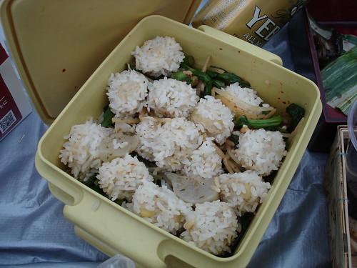 餅米肉団子、もやしと菜の花のナムル