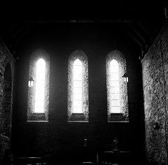 Church of St David, Llanddew, Wales - Zeiss Super Ikonta B 532/16 6x6 (VEB Zardoz the Gravyboat) Tags: uk classic 120 6x6 blancoynegro film apple church wales architecture zeiss vintage mediumformat square frozen mac village noiretblanc zwartwit unitedkingdom britain religion cymru documentary rangefinder bn software squareformat vintagecamera iphoto mf christianity analogue manual zeissikon schwarzweiss folder pretoebranco  1950 thebeast blancinegre galles palabra superikonta foldingcamera  tessar svartvitt documentaryphotography germancameras germancamera inbiancoenero   superikontab 1950camera blackribbonbeauty 53216 foldingmediumformatcamera optontessartf28 placeofhistoricinterest blancenegre  tessar80mmf28  foldingrangefindercamera mediumformatfolder zeissikonsuperikonta53216 monsterfolder tcoating    frozenonfilm