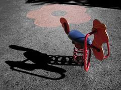 Seesaw / Balancin (zhonnetiks) Tags: park parque playground seesaw juguete recreo balancin