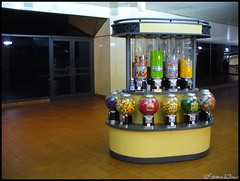 Lonely Candy Machines - 18/365+1 - 01/18/2008 (Harpo42) Tags: philadelphia train gum subway colorful closed gallery candy machine el bubble quarter philly elevated septa 2008 concourse strawbridges marketfrankford 366 january18 183651