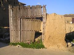 Boada de Campos (Palencia). Puerta (rabiespierre) Tags: puerta palencia tierradecampos boadadecampos