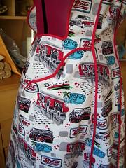 Vintage Apron: Pocket (fourpeas) Tags: sewing apron vintagepattern vintagesimplicity3544