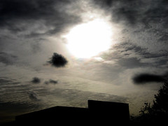 12.19.07_217PM_levels.126 (BayArea CA heads up now) Tags: sun clouds iridescent
