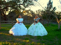 Amanda and I wearing ruffle and bbq dresses (scarlett283) Tags: scarlett film scarlet movie costume doll dress ashley bbq civilwar butler frock ohara gown drama reproduction rhett greenwhite snood gonewiththewind gwtw udc ballgown moviecostume coralnecklace 12oaks ruffledress hollywoodcostumes scarletdress walterplunkett greenfloral taradress bbqdress hoopslip gwtw4ever pegee greensprigged ginewiththewind whiteruffle bbqhat tweleveoaksbbq scarlettonline