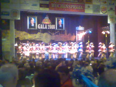 Trier08 concurrentie op podium (RKDV Sint Hendrien, Afdeling Dansmari's) Tags: up pin sint kalender dansmariekes oeteldonk hendrien dansmaris dansmaries rkdv