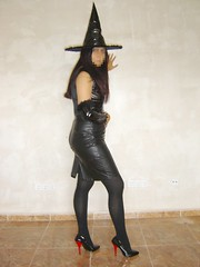 Pleaser tacn rojo 5 (lady_dulciny_boots) Tags: leather pumps legs witch gloves nylon lack charol