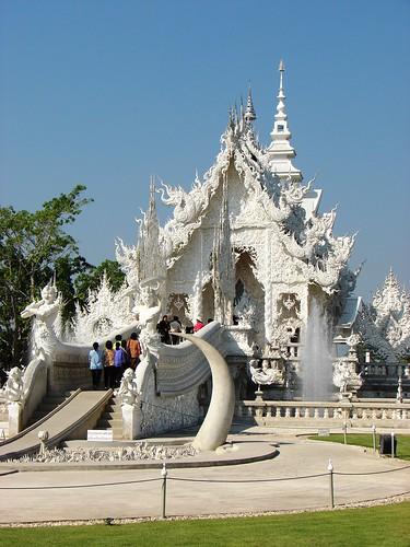 Wat Rong Khun - 03 - Chiang Rai - Tailandia por Iván Utz.
