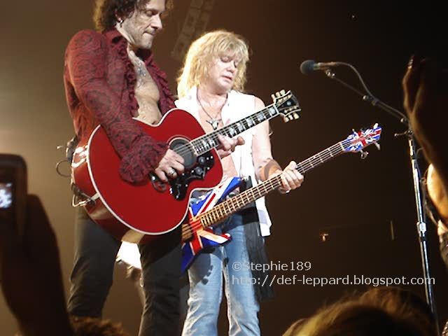 (Phil Collen and) Vivian Campbell and Rick Savage - Def Leppard -2008