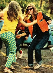 damn dirty hippies (white_fundude) Tags: vintage fun stuff 1960s 1970s whitepeople younggirls hotwomen vintagefun vintagewhitepeople whitepeoplehavingfun whatwhitepeopledotoamusethemselves