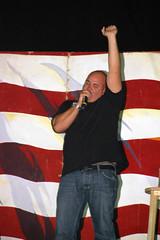 Robert Kelly (3) (xxxsoldier123) Tags: robert comedy iraq may kelly iq cob uso base operating speicher tikrit contingency robertkelly cobspeicher armyshow contingencyoperatingbase