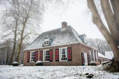 Stofbergen - Hilverbeek (PaulHoo) Tags: hilverbeek spanderswoud s gravenland holland netherlands winter landscape nature 2017 snow house building architecture stofbergen fog