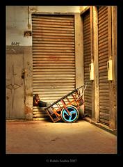 Sleeping in the cart (*atrium09) Tags: africa travel light sleeping topf25 topf50 topf75 olympus morocco fez maroc marocco marruecos hdr moroccan fes dormido themoulinrouge photomatix atrium09 mywinners colorphotoaward rubenseabra thegoldendreams ostrellina howuniquelovethelegsstickingoutlovelycolorsandtonesheretoogreateye