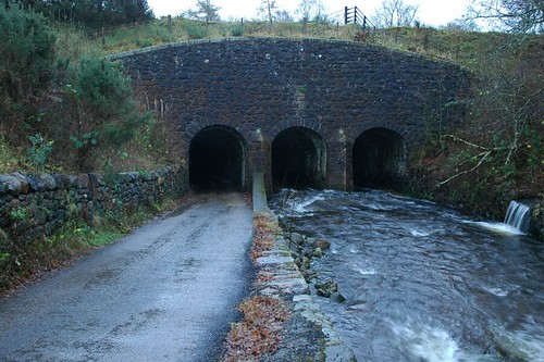Tunnels under Caledonian canal