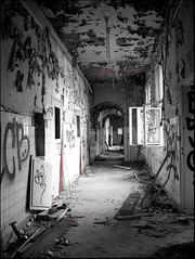 old hospital (sulamith.sallmann) Tags: berlin hospital deutschland decay gang 2008 challenger krankenhaus korridor hiddenplace verlassen flur weisensee kaputt zerstört skk corridore abonded sulamithsallmann betterthangood
