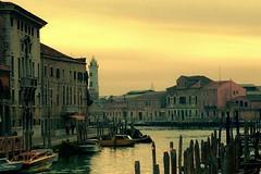 Venecia-Atardecer en el canal (tapperoa) Tags: trip travel italy architecture landscape canal arquitectura europa italia paisaje venecia viajar