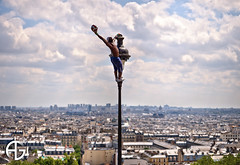 At the top ! (A.G. Photographe) Tags: paris france macro ball football nikon freestyle ballon montmartre ag nikkor franais hdr vr parisian anto photographe jongleur iya 105mm xiii parisien hdr1raw footballeur d700 traor antoxiii agphotographe dribleur