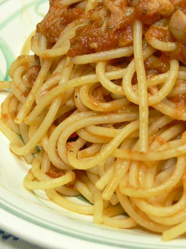 アンチョビ入りツナのトマトソーススパゲティ