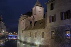 Annecy by night (franchab) Tags: voyage france annecy canon eos noel savoie nuit hdr hautesavoie numerica photodenuit 400d faverges hdrenfrancais franchab 5dmkii wwwfranchabphotographefr