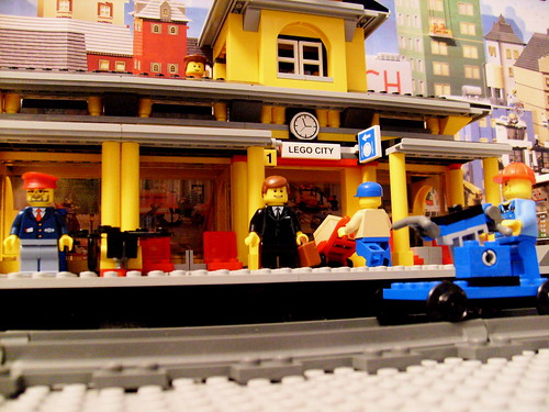 Lego 7997: Train Station (2007)