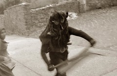 Diablo, tambien llamado Cencerrn (carlos gonzlez ximnez) Tags: fotografiaetnograficaximenez ethnography ethnographic anthropology photography anthropologic myth ritetradition ancient goldenbranch ximenez pagan magic culture popular folklore old rural article whitetargetandblack iberia iberian traditions ethnographie ethnographique anthropologie photographie anthropologique mythe rite tradition ancestral unebranchedore paen magie populaire folclore vieux reportage blancetnoir ibrique culturaprimitiva tradicion etnografia fotografiaetnograficamito rito ritual antropology ancientfolklore vieuxfolkloreancestral rituel photographieethnographique photographieanthropologique