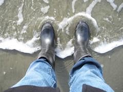 Rubber boots (Duckdeux) Tags: longbeach february rubberboots