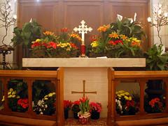 Maundy Thursday (103) (Chris Gent) Tags: flowers orlando cross cathedral florida altar anglican episcopal lent holyweek maundythursday holygarden thecathedralchurchofstluke