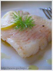 Sole fish with olive sauce