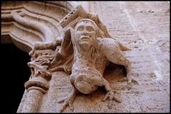 DETALLE-LONJA DE LA SEDA - VALENCIA (SPAIN) (ABUELA PINOCHO ) Tags: espaa detalle valencia arquitectura remate fachada gargola capitel patrimoniohumanidad travelerphotos lonjadelaseda