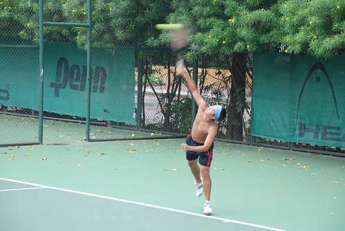 Tu - Tennis at Sao Mai court - West Lake