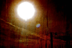The Sun (Eric Vondy) Tags: sun bright aplusphoto hourofthediamondlight phoenixsucks anotheruninterestingphoto whenamigoingtofindsomething goodtoshoot anyonewanttobuyme aplanetickettothecoast ineedmorebeachphotos