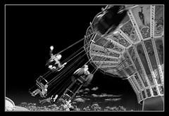 Oktoberfest amusements (matt :-)) Tags: munich mnchen bayern bavaria amusement oktoberfest monaco explore 1870mmf3545g munchen mattia giostra muenchen 2007 baviera theresienwiese nikond80 consonni mattiaconsonni