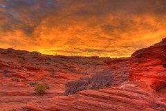Sunrise over Red Rocks (Thad Roan - Bridgepix) Tags: arizona sunrise page redrocks naturesfinest 200711 impressedbeauty superbmasterpiece