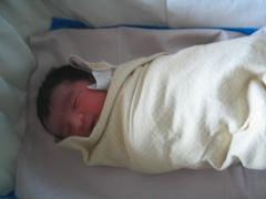 145_0102 (S Jagadish) Tags: baby infant sister bangalore birth mama newborn mahesh amma satish indira appa thatha paati jaagruthi natarajan janu jagadish krithi santhanam nandhitha chitappa 200711 rashminursinghome