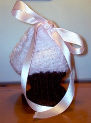 Knitted Cupcake Purse for My Niece