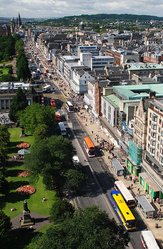 Edinburgh from above 02.jpg