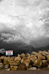 precaucion cielo gris y negro (Walter Oscar La Colla)