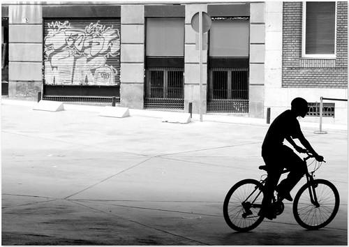 chico y bicicleta