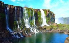 Cataratas do Iguaçu - Velvia Effect (Luiz Henrique Assunção) Tags: brazil brasil iguazufalls velviaeffect cataratasdoiguaçu licassuncao