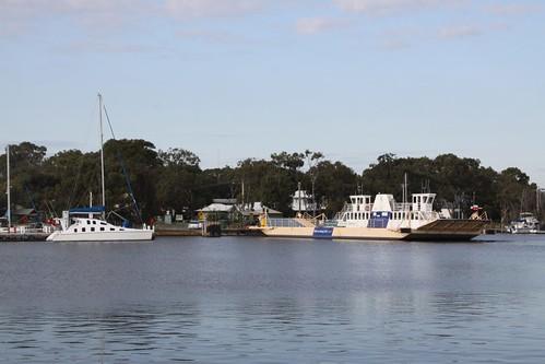 Ferry arriving into Raymond Island