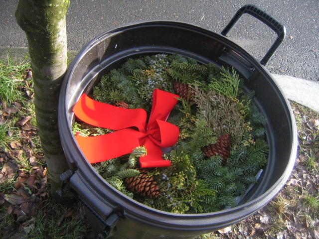 Day 4/366: Christmas in the Rubbish Bin