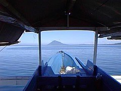 My prahu heading to Manado Tua